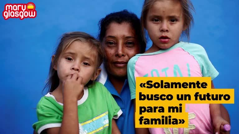 Una familia de la caravana de migrantes
