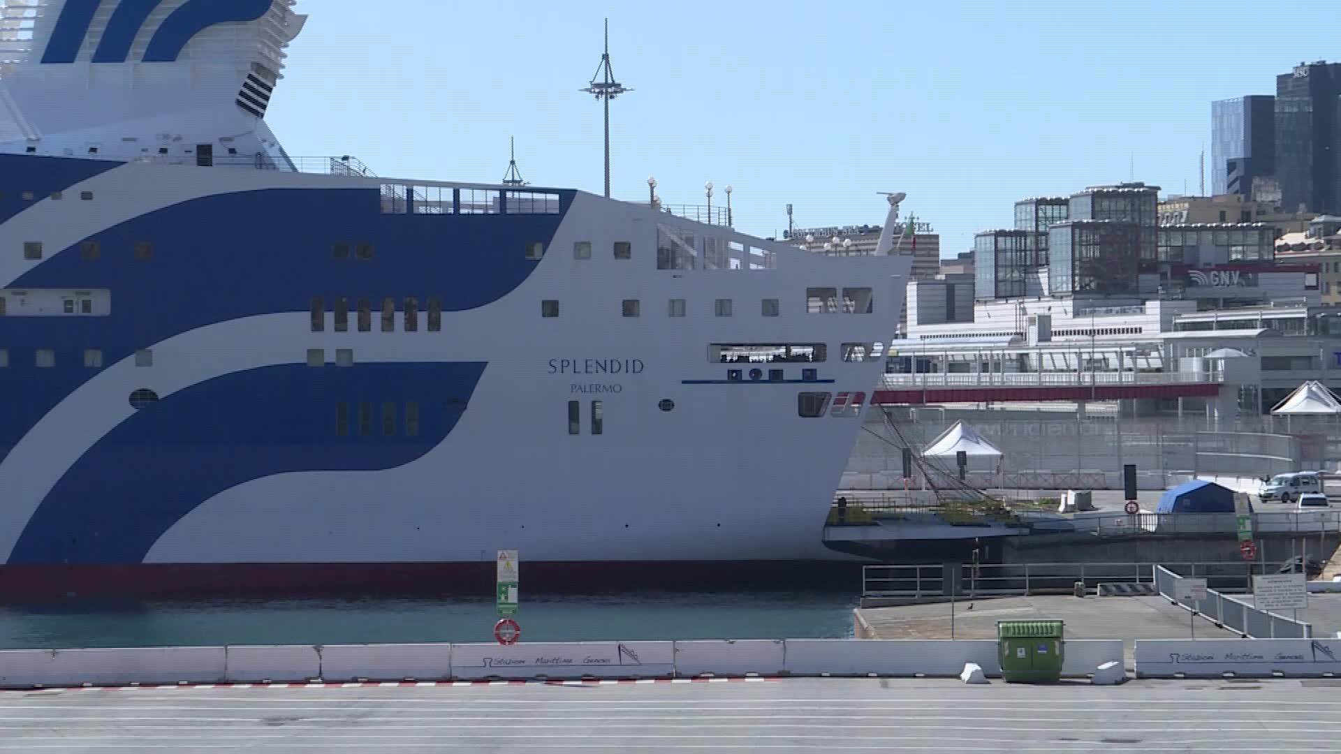 Coronavirus, viaggio a bordo della nave ospedale Gnv Splendid