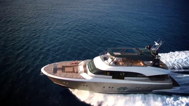 Monte Carlo 86- Monte Carlo Yachts