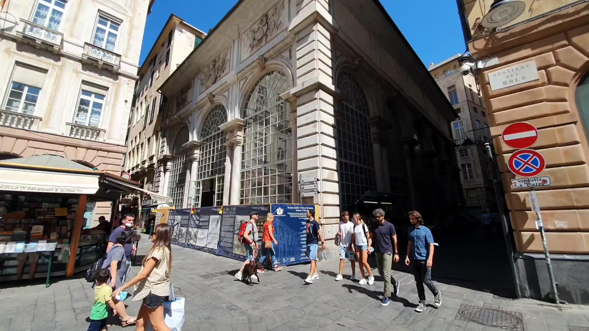 """Resti di Genova medievale sotto il """"Museo della Città"""", stop al cantiere e progetto da rivedere"""