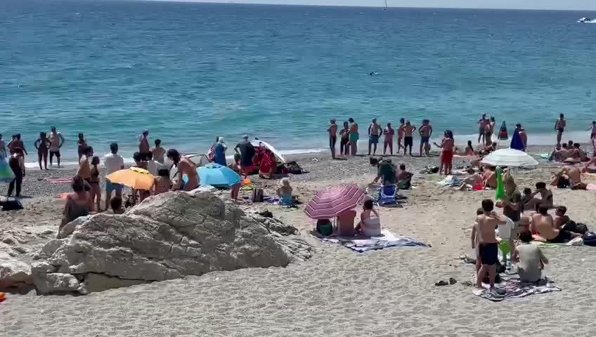 Fatale malore in mare, anziano deceduto a Finale Ligure