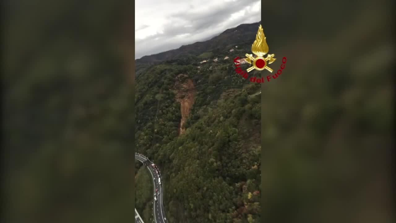Video: Crolla un viadotto sull'autostrada Savona-Torino