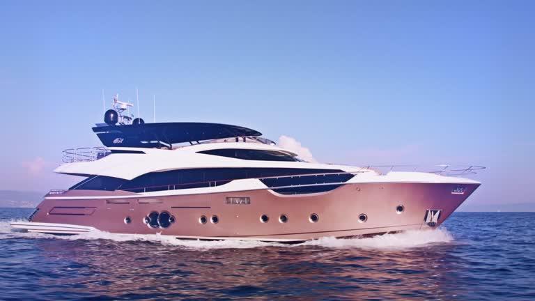 Monte Carlo 96 - Monte Carlo Yachts