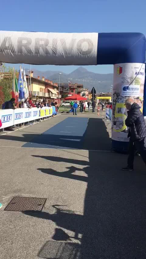 Trofeo Frigerio, l'arrivo vittorioso di Sara Meloni a Scanzorosciate