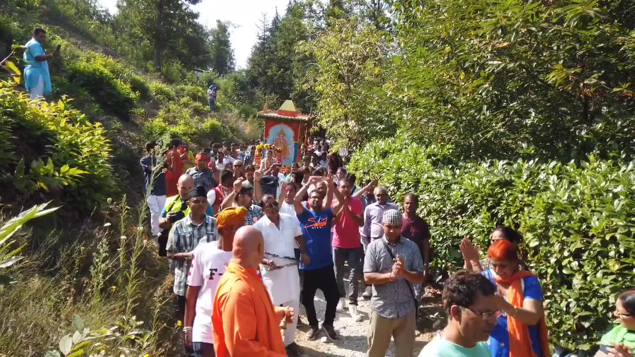 Duemila persone da tutta Europa per la festa di Ganesha Chaturthi ad Altare