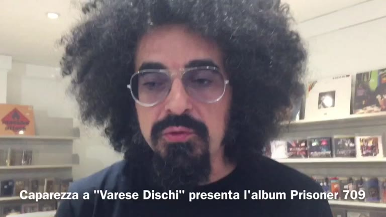 Video: Caparezza a Varese con il nuovo album