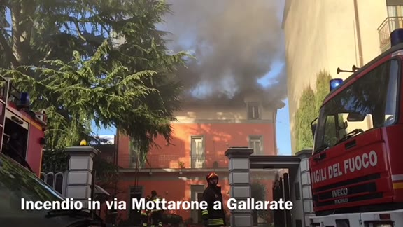 Video: Gallarate, incendio a Cascinetta