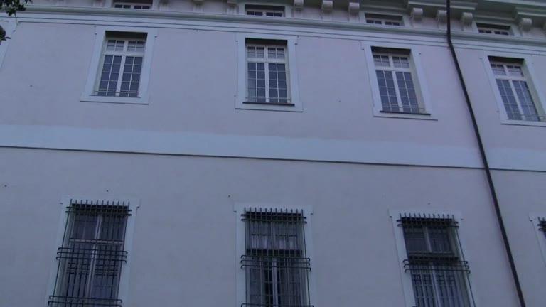 Video: Genova, rapina in via Ravasco: sono in corso le indagini