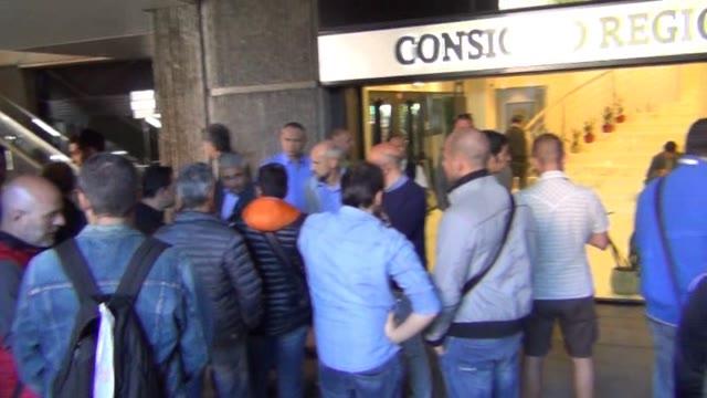 Video: Piaggio Aerospace, la protesta dei lavoratori in Consiglio regionale