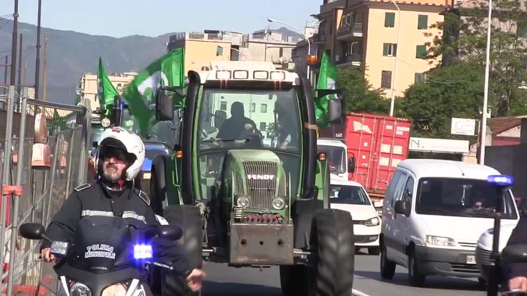 Video: Gli agricoltori savonesi in piazza a Genova
