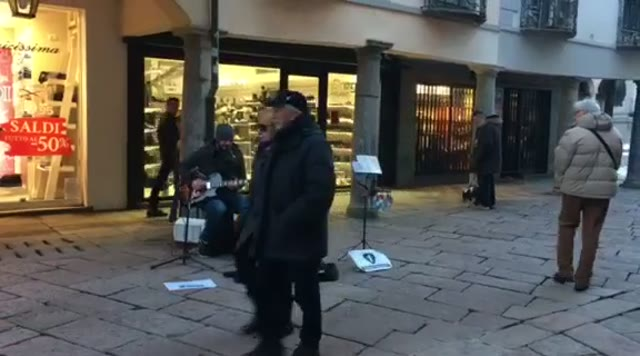 Video: Simone Nannicini di X Factor in Corso Matteotti