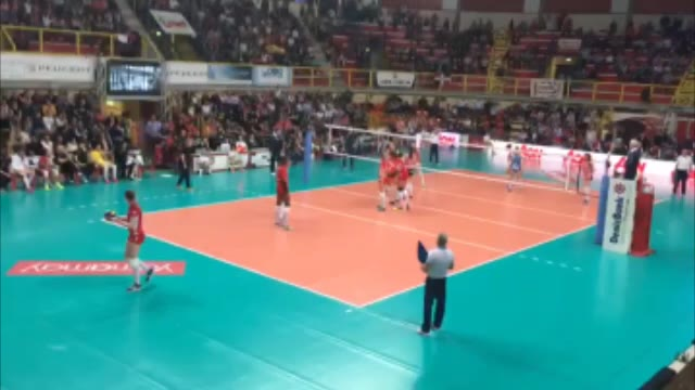 Video: Muro decisivo, la UYBA vola in finale di Cev Cup