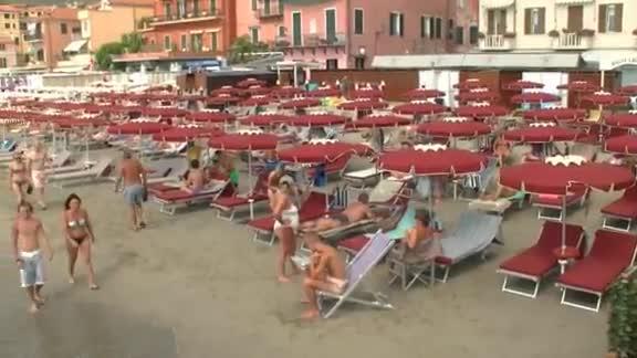 Video: Alassio, la spiaggia il giorno dopo la mareggiata