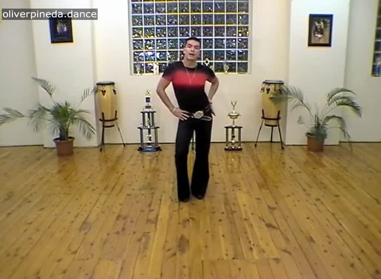 MV37 Hips Ribcage Shoulders walking action