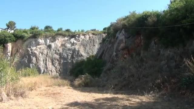 Video: Nuove case sulla collina del Trabocchetto a Pietra Ligure, via ai lavori per l'inizio del 2016