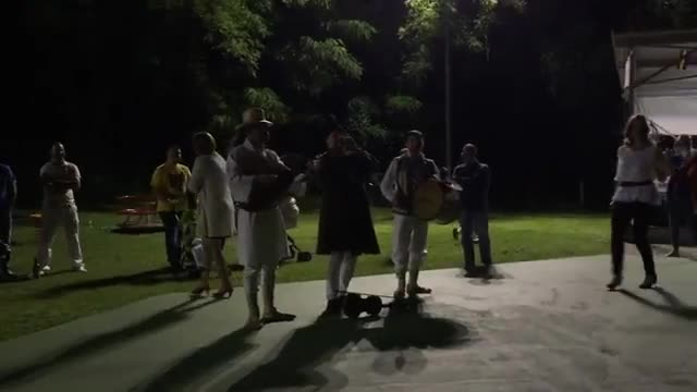 Video: Musica e danze dalla Moldavia per il gemellaggio 141Expo