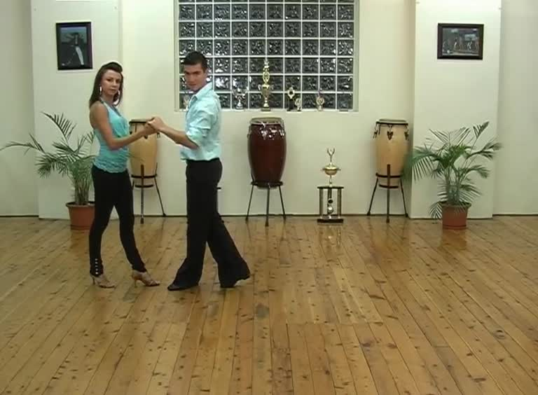M21 basic moves review 3 combo 4 for ladies with breakdown and to music