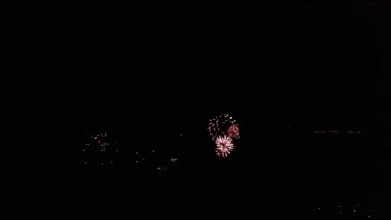 Video: I fuochi d'artificio su Laveno Mombello