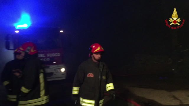 Video: Incendio all'azienda agricola