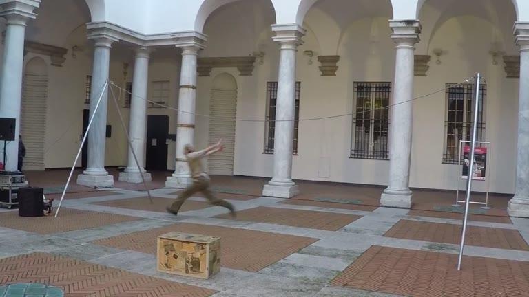 "La magia del ""circo"" incanta palazzo Ducale"