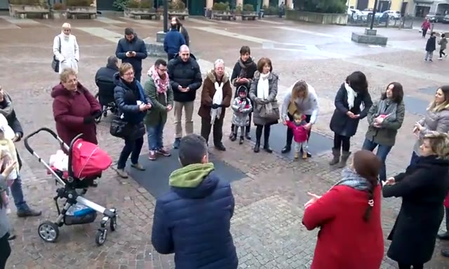 Video: #ovunquelodesideri – Il flash mob sull'allattamento a Malnate