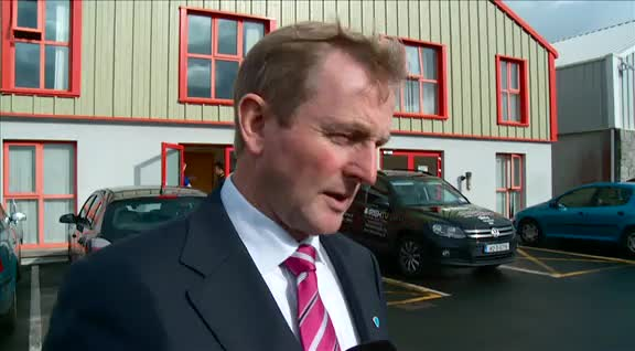 An Taoiseach Enda Kenny visits Irish TV studio