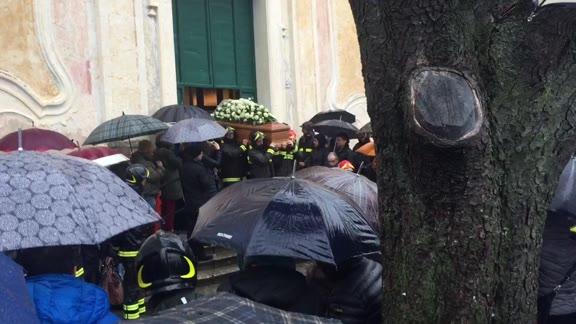 "Video: Calice Ligure, l'ultimo saluto a Salvatore Paonessa: ""Mancherà a tutti noi"""