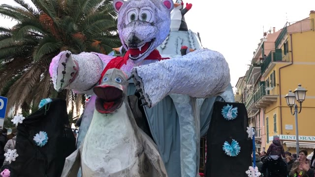 Bardino Vecchio trionfa al Palio dei Comuni del CarnevaLöa