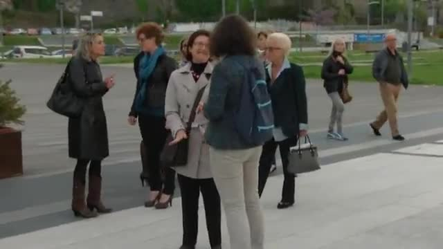 """La """"carica delle cento donne"""" a sostegno di Lorena Rambaudi"""
