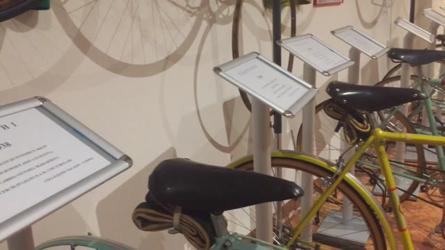 Video: Il museo ciclostorico Palazzi a Gallarate