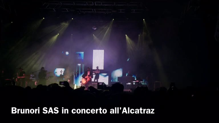 Video: Brunori Sas in concerto all'Alcatraz