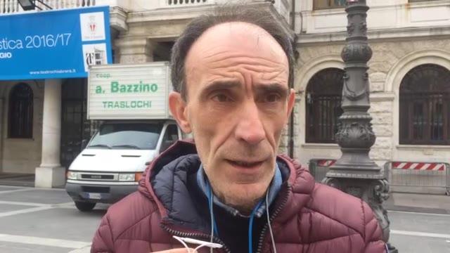 Savona, presidio Ata davanti al Comune