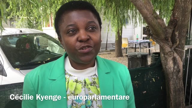 Video: Cécilie Kyenge al campo sinti di Gallarate