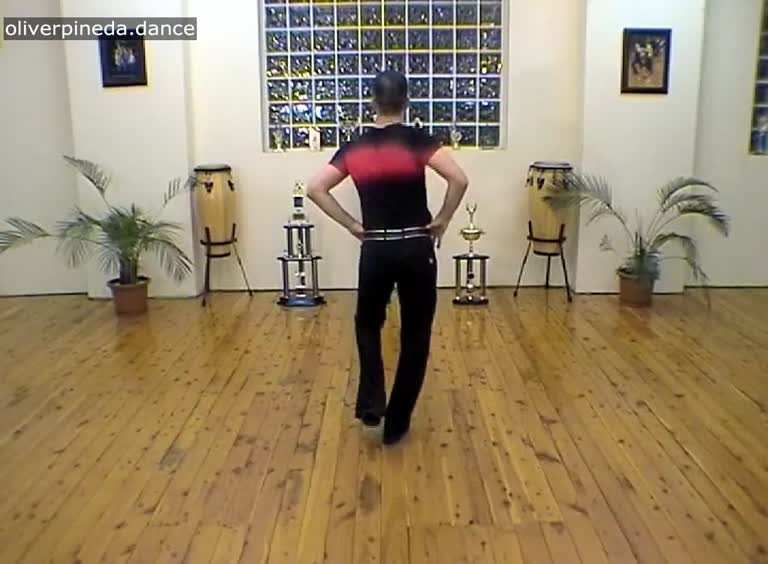 MV43 Hip Ribcage Shoulder action in a salsa basic