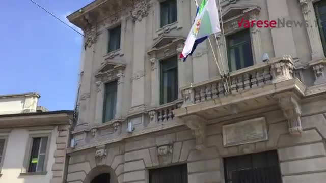Video: I residenti di via Vigorelli vanno in Comune