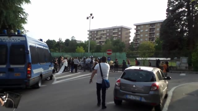 Video: Gli scontri al corteo del Telos