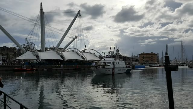 Genova, l'Adorazione al Porto Antico