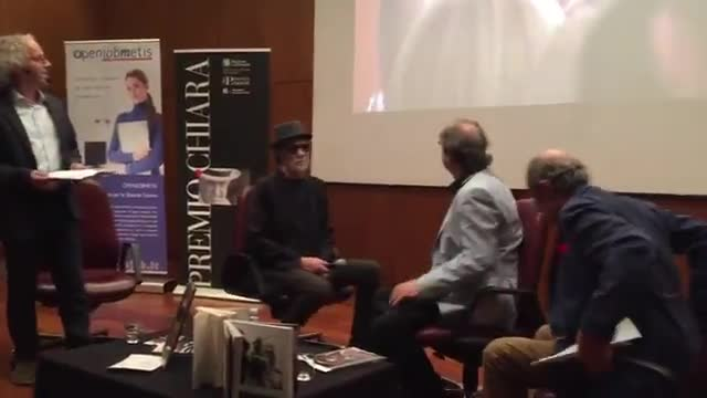 Video: De Gregori al premio Chiara