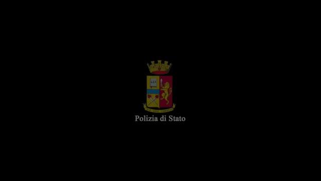 Video: La Nave Blu lascia l'Acquario di Genova verso i cantieri Mariotti