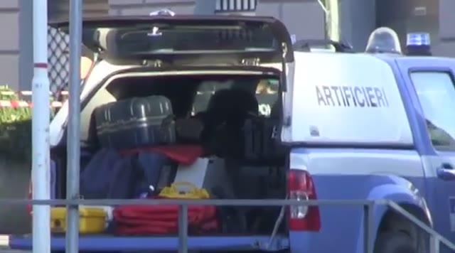 Genova, allarme bomba in via Gramsci: valigetta fatta esplodere