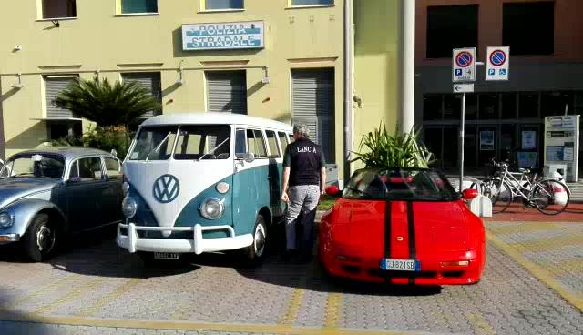 Successo alla Coop di Albenga per il raduno di auto e moto storiche