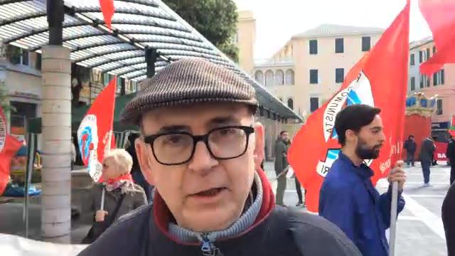 """Video: A Savona arriva lo Tsunami Tour di Beppe Grillo: """"Un Desbarassu della vecchia politica…E il Comune ci stacca il wi-fi"""""""