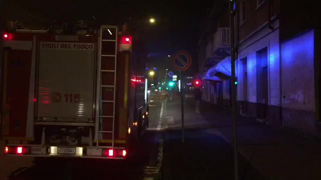 Video: Incendio in un locale take-away a Gallarate