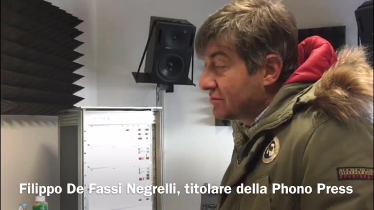 Video: Alla Phono Press, l'unica fabbrica di vinili in Italia