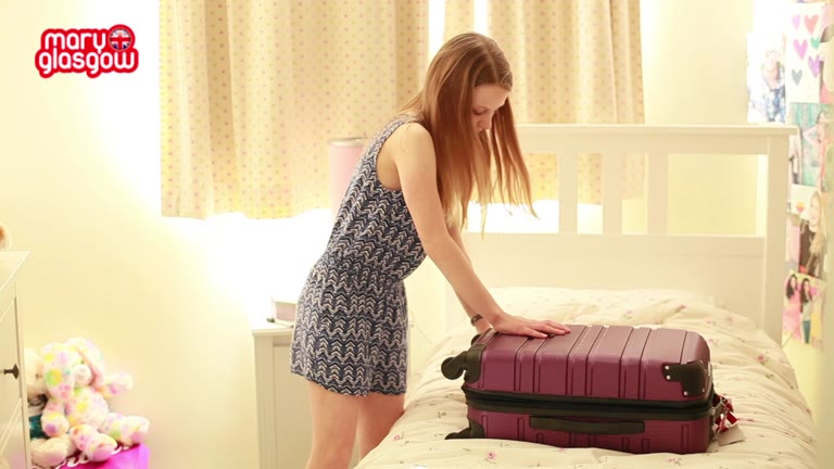 How do I ... pack my suitcase? screenshot
